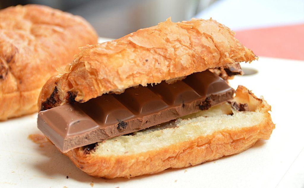 Чем полезен шоколад для мужчин. Темный шоколад для мужчин: польза и вред
