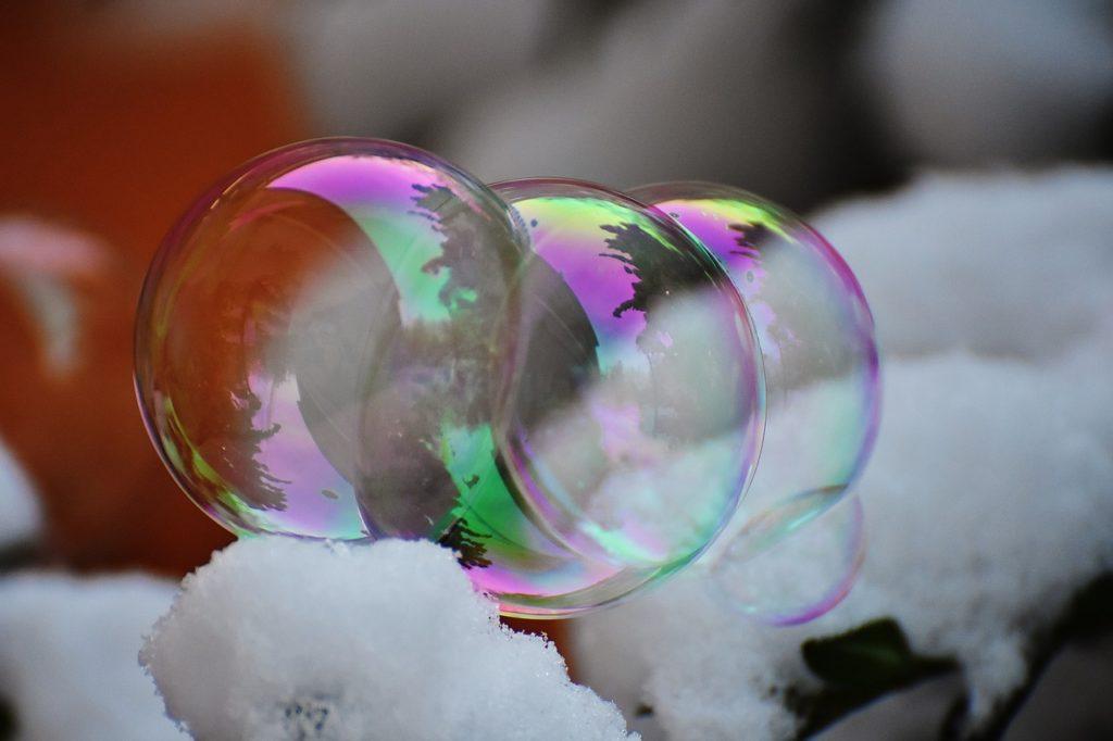 мыльные пузыри зимой
