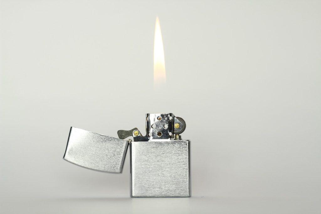 зажигалка
